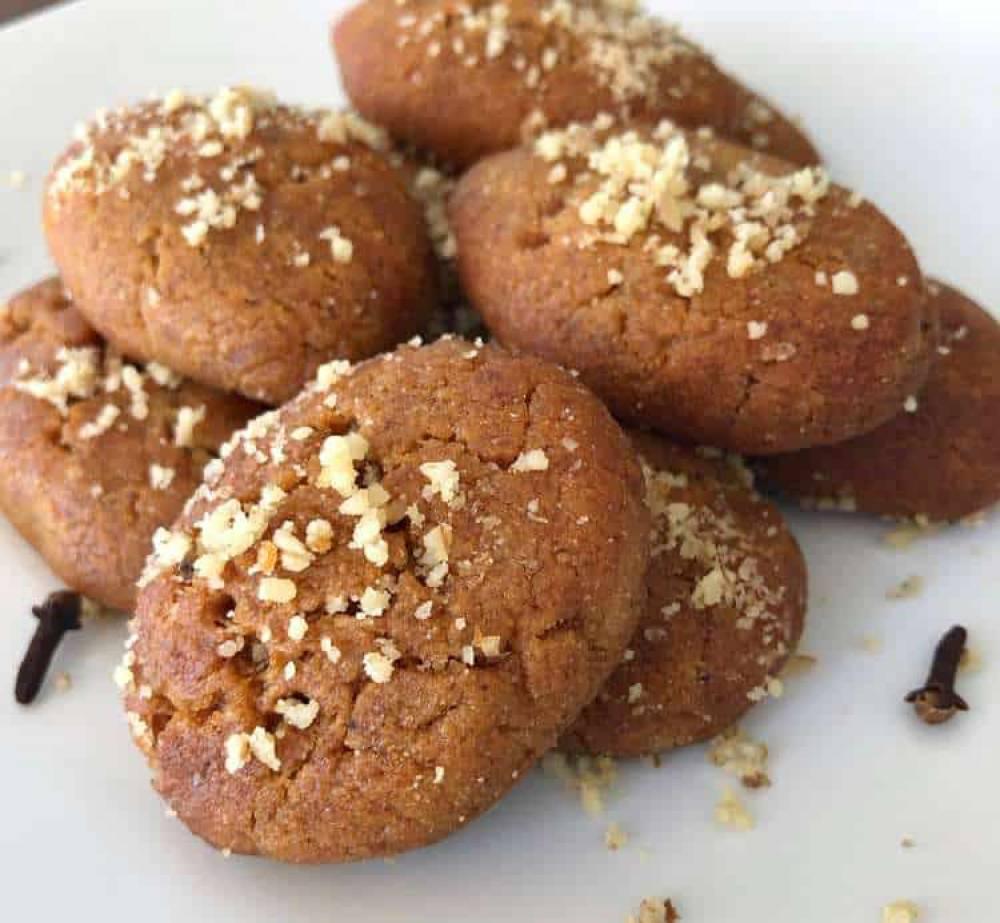 طرز تهیه کوکیهای عسلی،شیرینی سنتی کریسمس در یونان